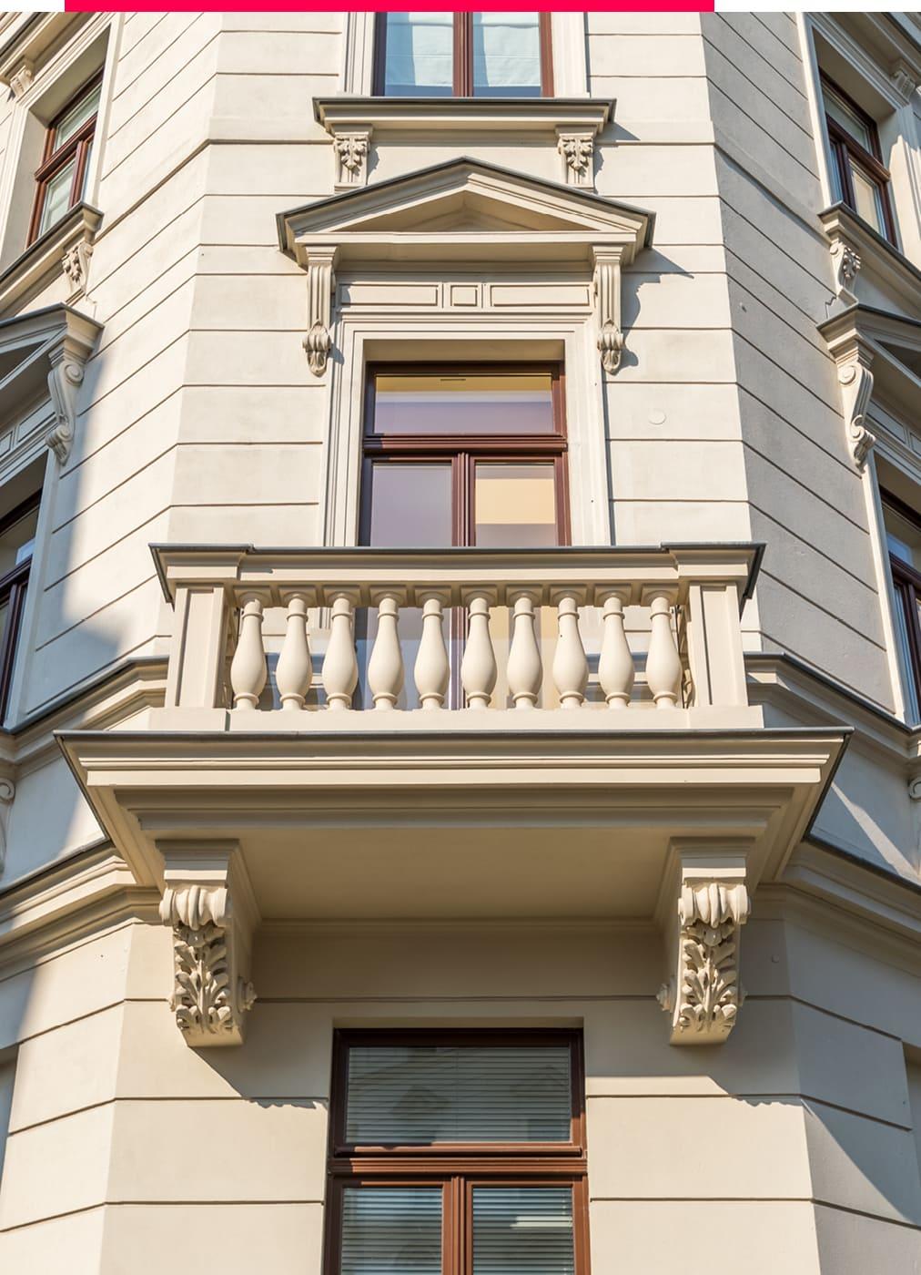 Altbauimmobilie mit Balkon in Leipzig.